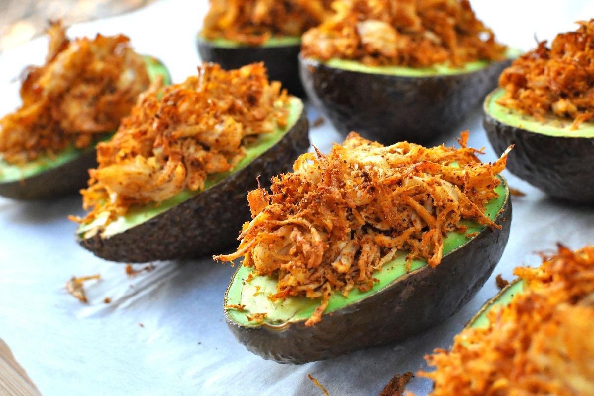 Stuffed avocados with cilantro cream sauce
